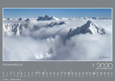 Karwendel pur<br>Die schroffen Gipfel des Südwestkarwendels schauen bizarr durch die Wolkendecke. Im Vordergrund die Erlspitzgruppe mit der besonders markanten Reither Spitze, dahinter der Große und Kleine Solstein sowie die Hohe Warte und die Brandjochspitzen. Am Horizont leuchten Tuxer Alpen, Zillertaler Alpen und Hohe Tauern.